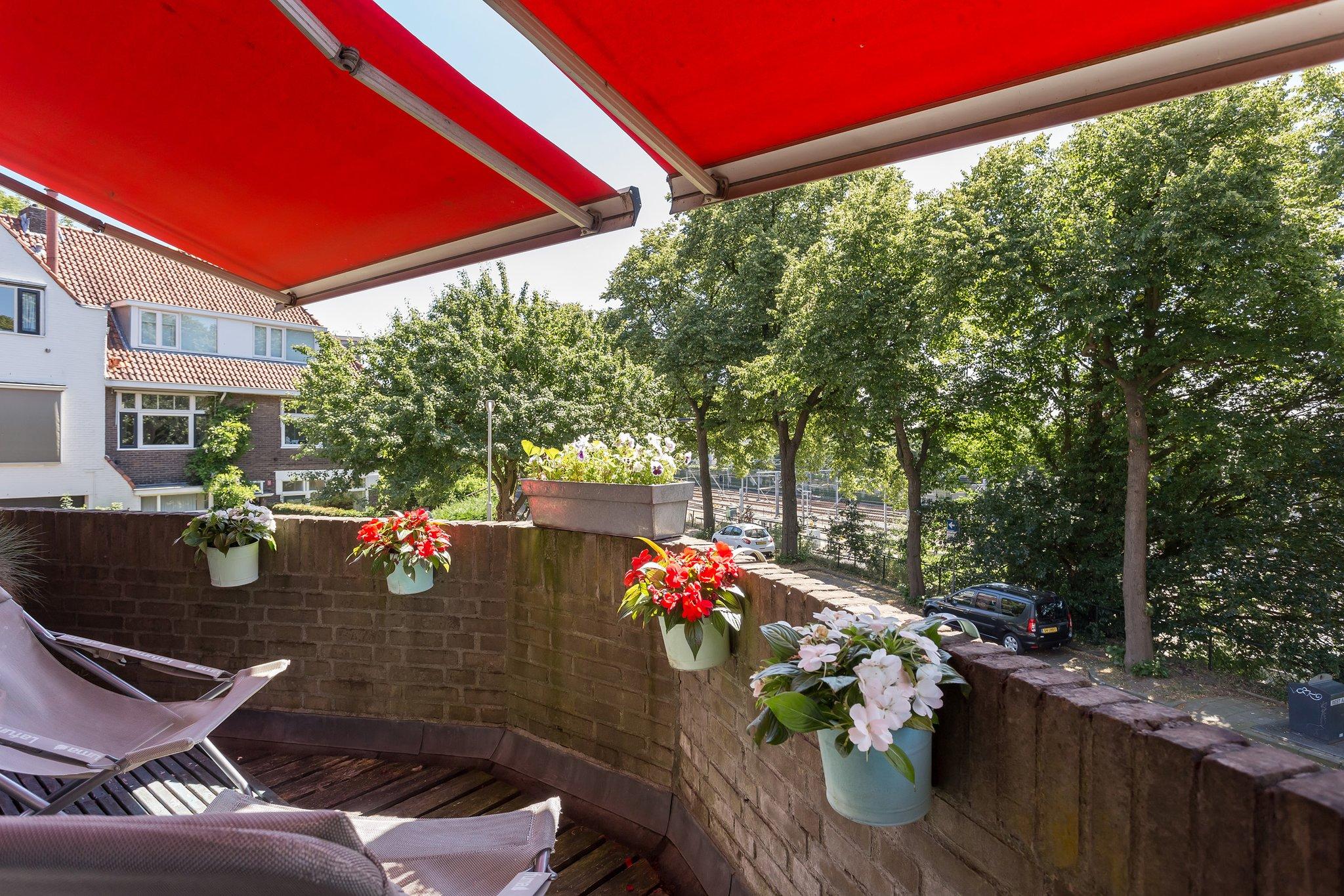 Gezellig Zonnig Balkon : Laatste zomerconcert zonnig en gezellig druk debiltinbeeld
